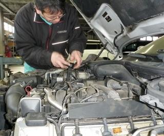 車の整備は低価格で!長年乗っている車をしっかり点検しましょう-株式会社吉岡自動車興業