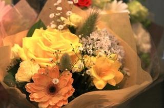花束はプレゼントにおすすめ!江古田「花保(はなやす)」-練馬のおすすめニュース編集室